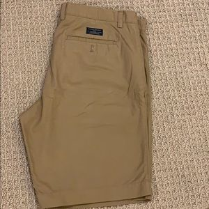 Banana Republic Chino Shorts Tan Size 35